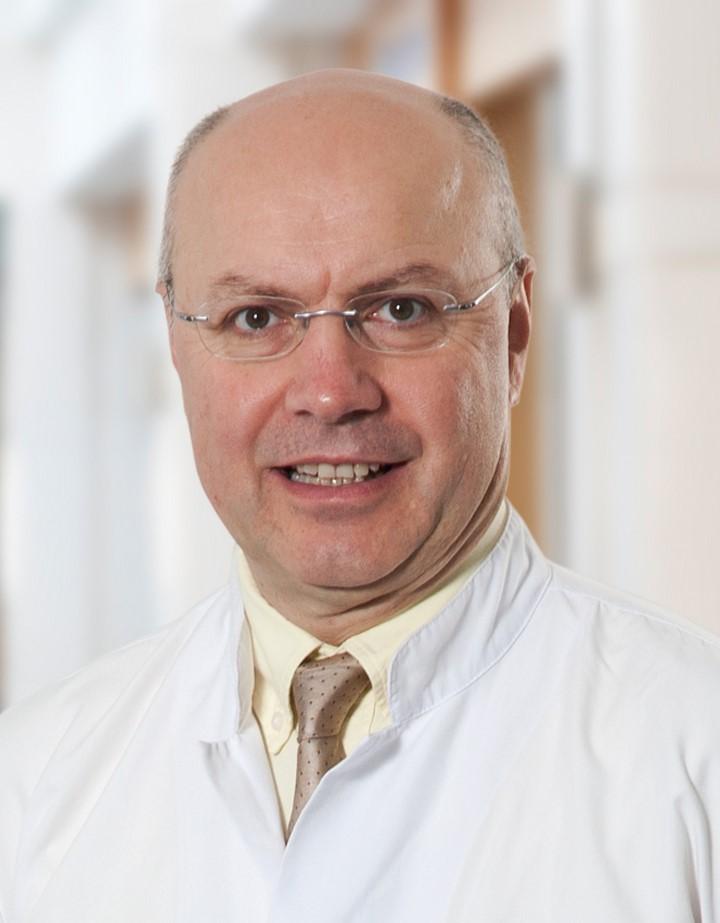 Prof. Dr. Serdar Turhal-Anadolu Sağlık Merkezi Medikal Onkoloji Uzmanı