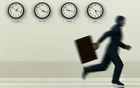 """""""Elektronik İmza Kullanım Alışkanlıkları"""" araştırmalarının sonuçlarına göre; katılımcıların 73'ü e-imza sonrasında imza süreçlerinin bir saatten daha az sürdüğünü belirtiliyor."""