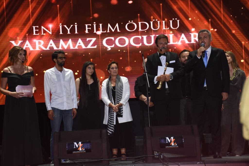 En İyi Film Ödülü: Yaramaz Çocuklar - Yönetmen: Ahmet Necdet Çupur